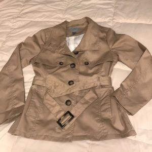 Cute short rain coat 🧥